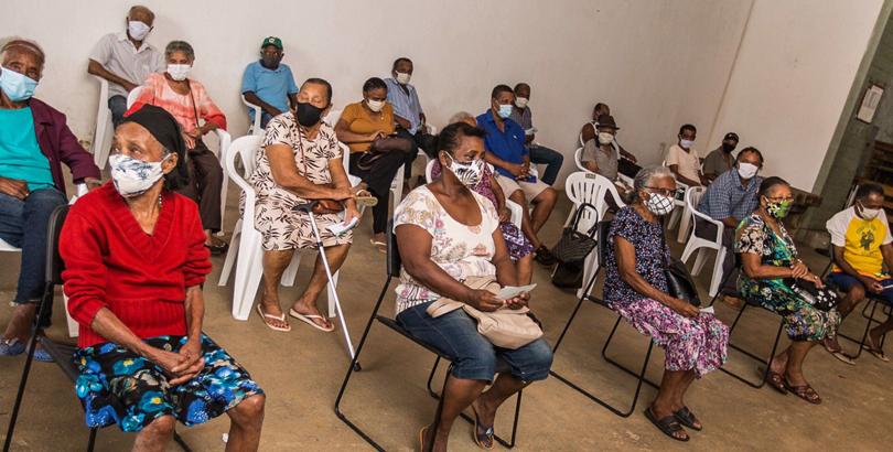 Epidemia de notícias falsas atrapalha a imunização em comunidades quilombolas