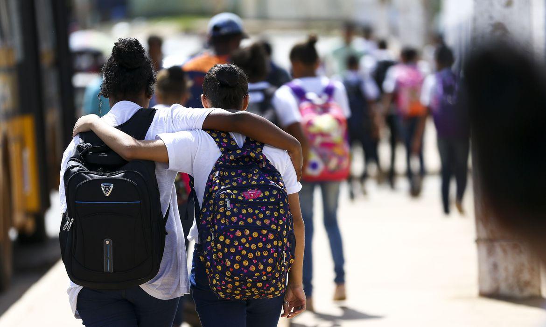 Ciência & Saúde Coletiva - Julho: Condição Juvenil na América Latina